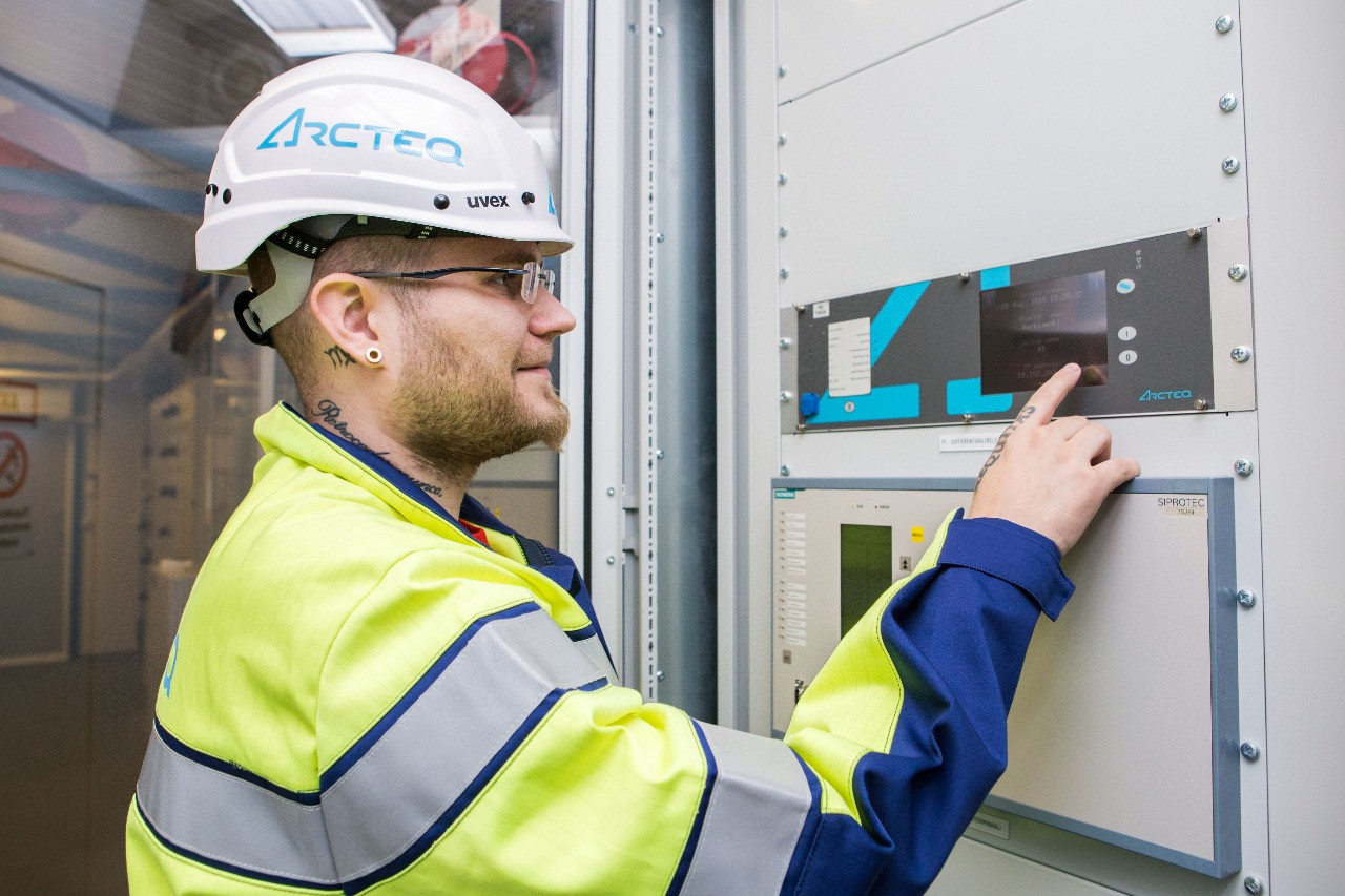 electric protection arqtec relays